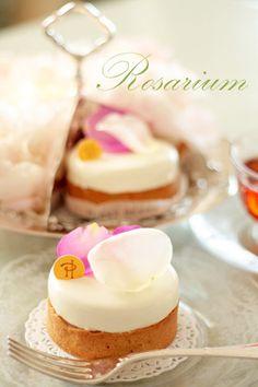 * Rosarium *
