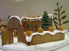 The Indian Pueblo Cultural Center is a museum and facility for history, talks, dances, and other activities featuring the culture of th. Gingerbread House Designs, Christmas Gingerbread House, Christmas Treats, Gingerbread Cookies, Christmas Cookies, Gingerbread Houses, Christmas Diy, Xmas, Spanish Christmas