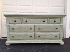 This is a fantastic solid wood 7 drawer dresser, with tons of drawer space. The piece has been painted with Annie Sloan Old White with a top coat