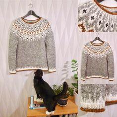 Se det här fotot av @karolina_broberg på Instagram • 393 gilla-markeringar Knitting Charts, Hand Knitting, Icelandic Sweaters, Hand Knitted Sweaters, Diy And Crafts, Knit Crochet, Sweaters For Women, Photo And Video, Fair Isles