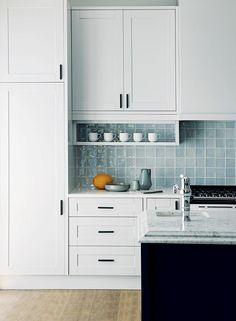 Johannesburg dream kitchen designed by Jvr Architects & Interiors Modern Kitchen Backsplash, Modern Kitchen Cabinets, Old Kitchen, Kitchen Decor, Kitchen Design, Backsplash Ideas, Interior Design Process, Big Houses, Interior Decorating