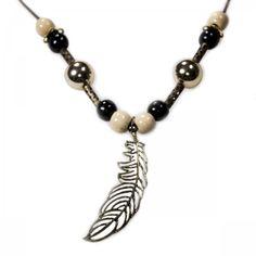 Baumwollband mit Perlen und goldener Feder aus Metall