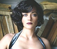 Marion Cotillard hair - that's the style.  FINALLY found a short dark style as sexy as long dark hair