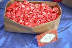 Recipe for making the BEST colored popcorn using Kool-aid. Itt's like a fruit flavored version of caramel corn. Colored Popcorn, Pink Popcorn, Candy Popcorn, Flavored Popcorn, Kool Aid Popcorn Recipe, Popcorn Recipes, Dessert Recipes, Desserts, Fun Recipes