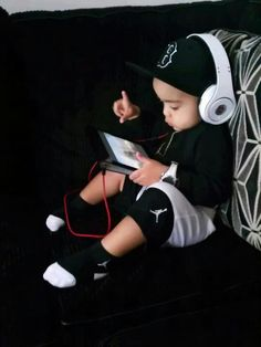 #Boy #Black #White #Jordan's #Electronics