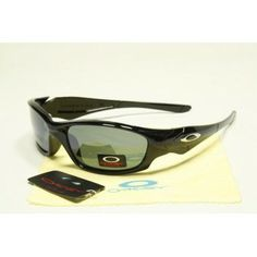 Counterfeit Oakley Straight Jacket Sunglasses polished black frames black lens | See more about black frames, straight jacket and oakley.