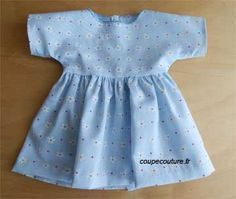 Comment prendre les mesures d'une poupée et couper le tissu pour une robe - site coupecouture