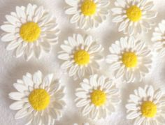 12 white wedding flowers Gerbera Daisy Edible Fondant Flower cupcake cake toppers decorations sweet 16 mums fall thanksgiving spring easter by InscribingLives (19.99 USD) http://ift.tt/1iS8FT0