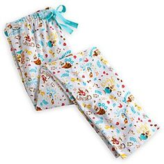 Disney Bas de pyjama pour adultes Les Sept Nains | Disney StoreBas de pyjama pour adultes Les Sept Nains - Que vous vous sentiez Grincheux, Atchoum, ou simplement Dormeur, notre bas de pyjama Les Sept Nains est parfait pour se d�tendre! Fabriqu� en coton bross�, il est orn� d'un imprim� int�gral color� et d'un cordon � la taille.