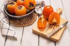 Kaki Recipes: Bake a delicious cake with Kaki Healthy Fruits, Healthy Snacks, Healthy Eating, Healthy Recipes, Delicious Recipes, How To Eat Persimmon, How To Roast Hazelnuts, Orange Smoothie, Good Food