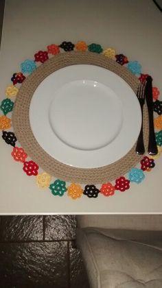 Crochet Round, Love Crochet, Crochet Motif, Crochet Doilies, Crochet Home Decor, Crochet Crafts, Crochet Projects, Fabric Scraps, Placemat