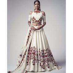 @thewoolmarkcompany #woolforal #timeless #womenswear#indianreinterpretation @woolmark #luxurywool #indianelements #versatilewool #indianstyles #bustingwoolmyths #manishmalhotralabel #timeless #style  #beautiful #manishmalhotraworld @mmalhotraworld @vogueindia @abhaysingh75