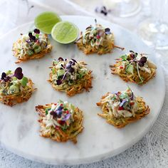 Potato Rosti canapes with crab and chilli are the perfect choice for entertaining. Irresistibly delicious topped with zesty crab, avocado and lime. Canapes Recipes, Entree Recipes, Seafood Recipes, Appetizer Recipes, Healthy Recipes, Canapes Ideas, Party Canapes, Cocktails And Canapes, Wedding Canapes
