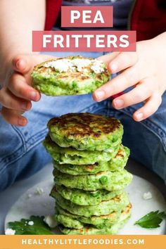 Pea fritters are a great little finger food, ideal for baby led weaning (blw) Brilliant for pack lunch boxes and can be frozen. Toddler Finger Foods, Healthy Toddler Meals, Toddler Lunches, Kids Meals, Toddler Dinners, Toddler Food, Cold Finger Foods, Baby Led Weaning, Easy Cooking