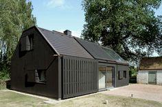 Heide & von Beckerath - House in Oderbruch (looks like a transformer)