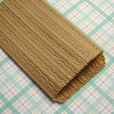 20 Small Kraft Paper Bags Embossed Doily Lace
