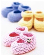 Free Baby Bootie Knitting Patterns Knit adorable and soft baby booties to keep baby's feet warm and comfy. Learn how to make baby's best booties and her first pair of Mary Janes, and get free knitting patterns for both. Baby Booties Knitting Pattern, Knit Baby Shoes, Crochet Shoes, Crochet Baby Booties, Knitting Patterns Free, Free Knitting, Crochet Patterns, Crochet Slippers, Baby Socks