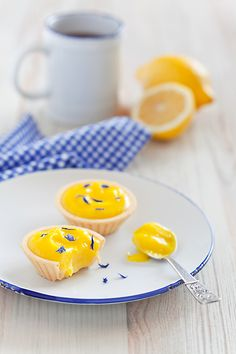 little lemon curd tarts