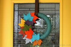 #Fall Felt Leaf Wreath via @Kellie~Nest of Posies