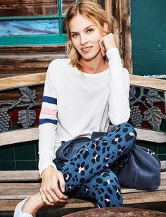 Sundry Clothing's Spring 2017 line is having a love affair with Paris. Along with their super-soft jersey pieces, french stripes and sun-drenched colors, you can't help but feel you're on a chic chill-out vacation. Let's take a look at all the love; stripes ahoy included at http://chicfablove.com/index.php/2017/03/14/sundry-clothings-love-affair-paris-spring-2017/
