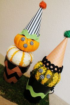 Pumpkin Witch Topiaries - love this whimsical Halloween Decor!