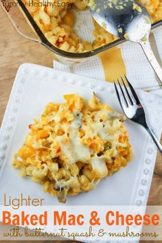 Lighter Baked Mac & Cheese aka Hidden Veggie Mac & Cheese - it has smashed butternut squash mixed in (you can hardly taste it!) and only a fraction of the cheese of full-fat mac & cheese! #delicious #pasta