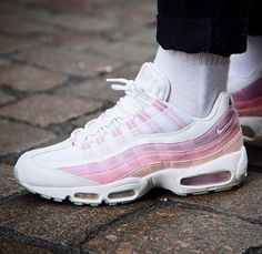 Womens Sneakers Nike Air Max   Sneakers Femme Nike Air Max 95 Pic by  Queenoutfitter 4b90b623b