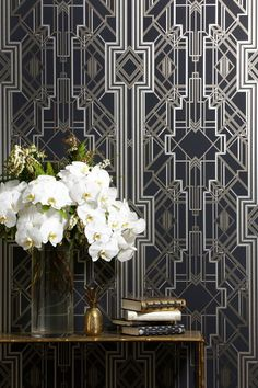 The Great Gatsby iconic Art Deco wallpaper design / wallcovering – glamorous feature wall – Le papier peint / … Estilo Art Deco, Arte Art Deco, 1920s Art Deco, Art Deco Era, Art Deco Wallpaper, Of Wallpaper, Designer Wallpaper, Beautiful Wallpaper, Diamond Wallpaper