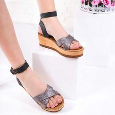 Sandale cu platforma dama argintii si negri Zuheja
