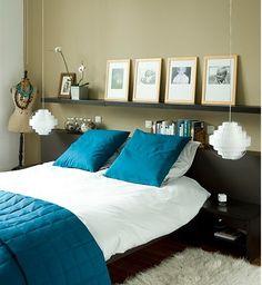 quarto, cama, cabeceira, quadros