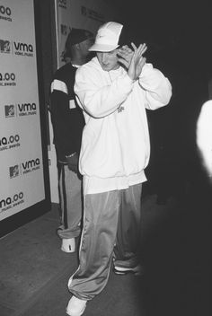 shy Eminem shy Cass Cass as well love you cassxxxx Eminem Funny, Eminem Rap, Eminem Memes, Eminem Music, Hiphop, Marshall Eminem, Eminem Wallpapers, Eminem Photos, The Real Slim Shady
