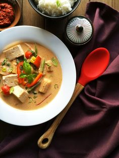 restaurant style vegan red thai curry