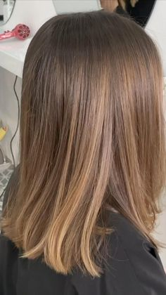 Brunette Hair Color With Highlights, Brown Blonde Hair, Light Brown Hair, White Blonde, Balyage Short Hair, Light Brunette Hair, Black Hair, Medium Hair Styles, Short Hair Styles