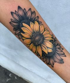 Sunflower Tattoo – Picture Ideas – Tattoos Piercings Sonnenblumen Tattoo – Bildideen – Tattoos Piercings This image has. Sunflower Tattoo Sleeve, Sunflower Tattoo Shoulder, Sunflower Tattoo Small, Sunflower Tattoos, Sunflower Tattoo Design, Sunflower Mandala Tattoo, Piercings, Piercing Tattoo, Eyebrow Tattoo