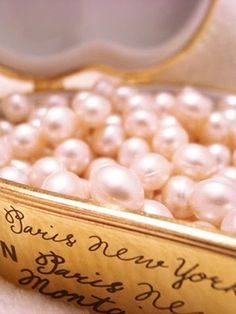 gold box of pink pearls. Bath Pearls, Pink Pearls, Pink Bling, Rose Bonbon, Pearl And Lace, Tokyo Fashion, Fashion Fashion, Girly Things, Pink And Gold