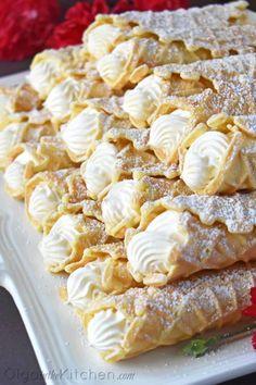 Cream Filled Pizzelles (Trubochki) - Olga in the Kitchen Italian Desserts, Köstliche Desserts, Delicious Desserts, Dessert Recipes, Italian Recipes, Italian Cookies, Plated Desserts, Pizzelle Cookies, Desserts