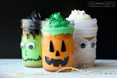 Halloween Mason Jar Mini Cakes - Life Made Simple - aren't these cute?  This is one of my blog posts using vinyl!