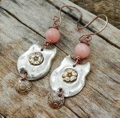 """Boucles d'oreilles fleurs,romantiques,douces,étain,argent,laiton,cuivre,quartz facetté nadeshiko,fait main """"Douces fleurs"""" : Boucles d'oreille par ambreline"""