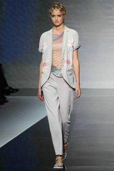 Emporio Armani Spring 2014 Ready-to-Wear Collection Slideshow on Style.com