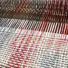Expérimentation tissage ☆peinture chaîne☆ #tissage #weaving #warp #weft #chaîne #trame #teinture #dye #craft #designtextile #textile #metierdart