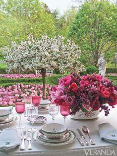 Pretty Pinks,design by Crolyne Roehms - #Entertaining