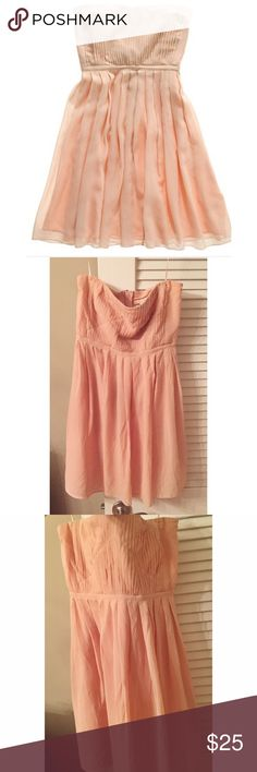 Madewell Blush Dress Strapless and timeless. Very comfortable and cute! Gently worn but could use a dry clean. Could fit a 4-6 as well in my opinion. Madewell Dresses Strapless