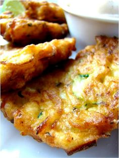 Zucchini Fritters with Chili Lime Mayo, yum! <3