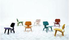 미국의 포스트모던 작가 찰스 임즈의 LCW Chair라는 작품입니다. 형형색색의 의자가 이목을 집중시키는군요!