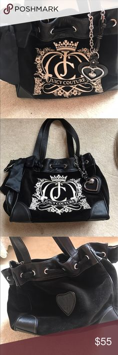 Black Juicy Couture Purse Classic Juicy Couture purse with bow! Great condition!! Juicy Couture Bags Shoulder Bags