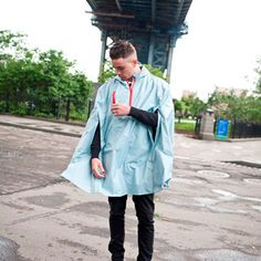 Shop the Cleverhood Rain Cape. Designed for city riding, this rain cape keeps you dry even when it pours. Ocean State Blue - US made.