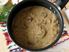 Udostępnij5 +1 Tweetnij Przypnij59 Stumble UdostępnijUdostępnień 64Sos pieczarkowy Gęsty, aromatyczny i pachnący koperkiem. Sos pieczarkowy świetnie się nadaje zarówno do makaronu, klusek śląskich, kasz, ryżu, ziemniaków purée, jak i mięsa. Dla podbicia jego barwy polecam dodać łyżeczkę sosu sojowego. Pieczarki dobrze komponują się masłem. Warto go zatem użyć do podsmażenia grzybów. Ja sięgam jednak po ...