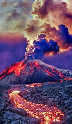 VOLCANO-In Tiger's Destiny our heroes enter the fire realm. The trees glow, the rivers are molten, the waterfalls made of lava. In this place water becomes a weapon so it's fortunate that Kelsey has a(Cool Pictures Of Nature) Volcan Eruption, Etna Eruption, Cool Pictures, Cool Photos, Beautiful Pictures, High Pictures, Random Pictures, Print Pictures, Funny Pictures