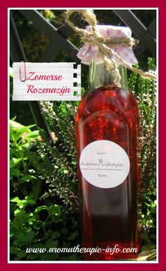 Rozenazijn is makkelijk en snel gemaakt met dit recept en het ziet er echt prachtig uit.