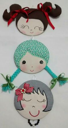 CD: glue photo on for face; add yarn for hair on which to clip hair decorations, barrettes, ponytail holders, etc. Old Cd Crafts, Foam Crafts, Recycled Crafts, Sewing Crafts, Diy And Crafts, Arts And Crafts, Paper Crafts, Cd Decor, Cd Recycle